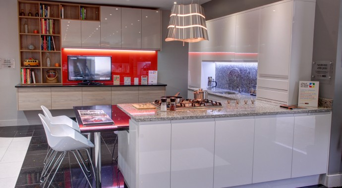 Handleless gloss kitchens