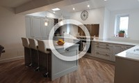 Shaker kitchen with island - kitchens in Leeds